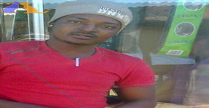 Robert mazive 34 years old I am from Soweto/Gauteng, Seeking Dating Friendship with Woman